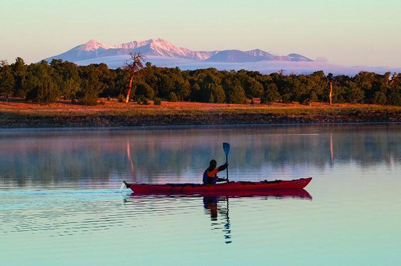 Kayaking-on-Ashurst-Lake1